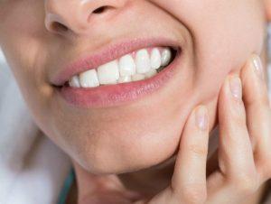 effets-secondaires-implant-dentaire